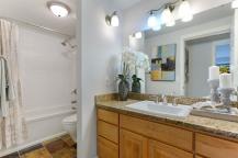 07_1011060thSt105_8_Bathroom_LowRes