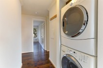 08_1011060thSt105_44_LaundryRoom_LowRes