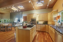 04_5091116thAveSE_5_Kitchen_NWMLS_1200x800
